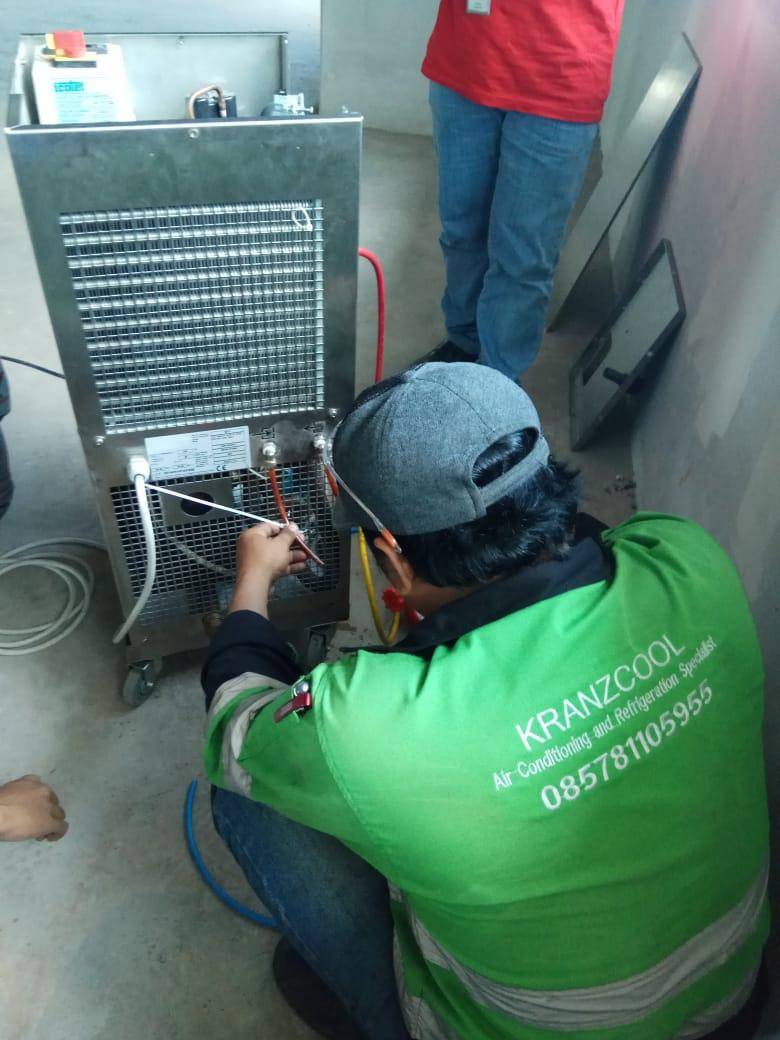 Perbaikan Mini Chiller di PT. DEXA Indonesia
