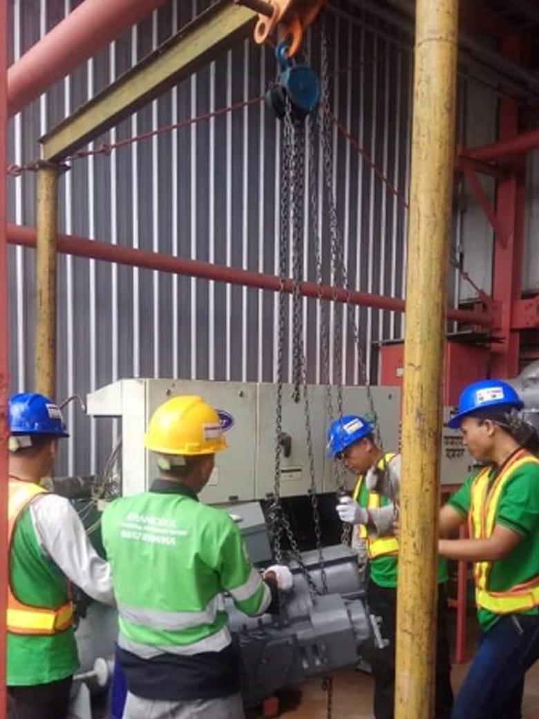 Pemasangan comrpessor SCREW chiller carrier di coca cola plan cibitung